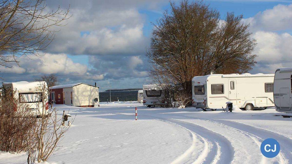 Wintercamping in Zierow. (Foto: Ostseecamping Ferienpark Zierow)